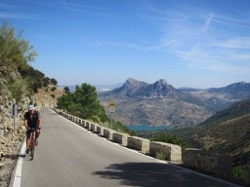 road cyclists going up to las palaomas