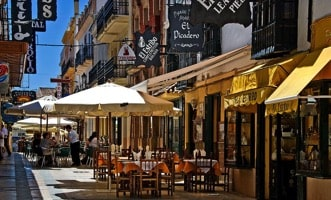 street cafes and restaurants in ronda
